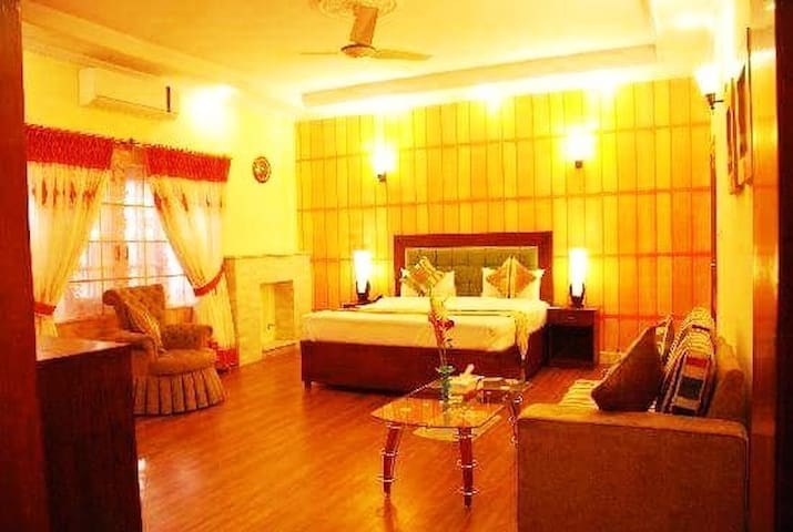 Le Royal Guest house Islamabad nearby centuries ml