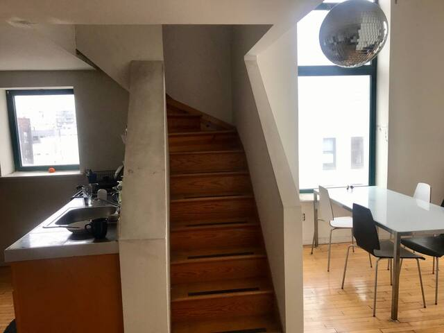 Big Williamsburg loft share, 5 min to Manhattan