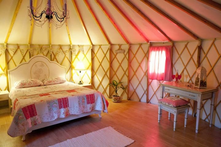 Buckingham Palace@ Avalon Steppes Luxury Glamping