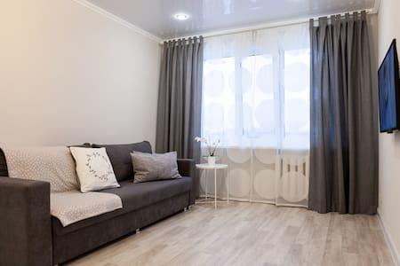 Уютная и очень чистая квартира (3 мин до метро)