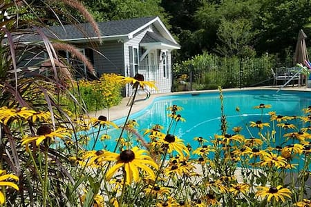 1 bedroom cottage/Pool and Garden - Clarkesville - House