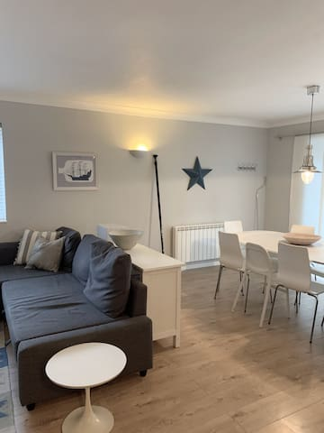 Open plan sitting and dining area