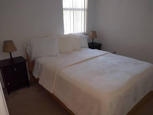 2 BEDROOMS 1 BATHROOM MIAMI FL