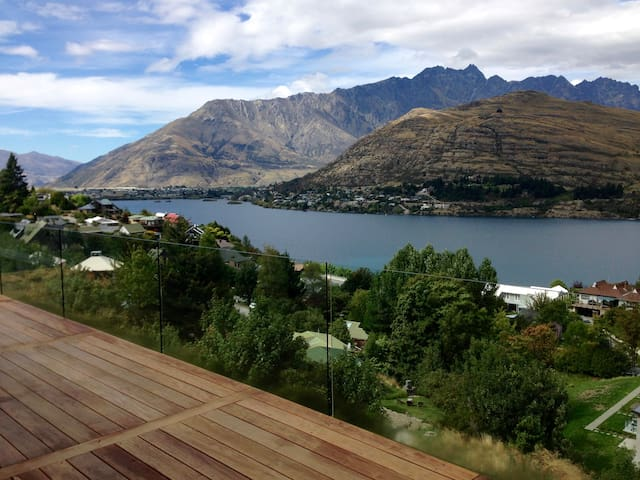 Spacious luxury with ensuite (New) - Queenstown - Hus