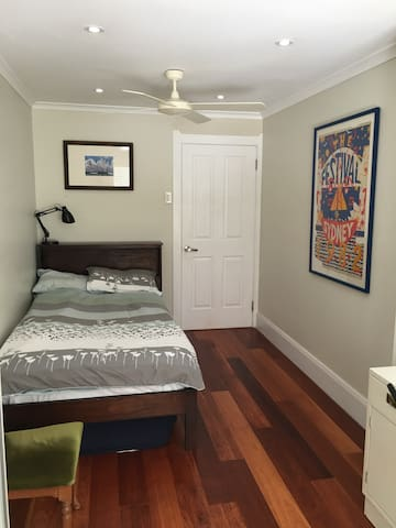 Single room  available in Fairlight