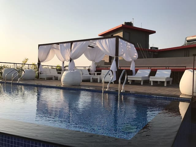 Luxury Bnb with rooftop pool in Dona Paula