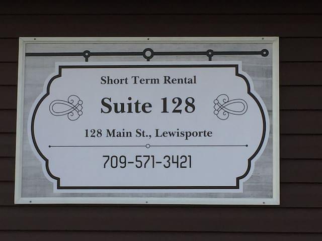 Suite 128