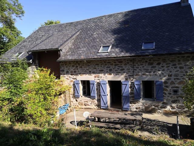 Grande maison en Auvergne