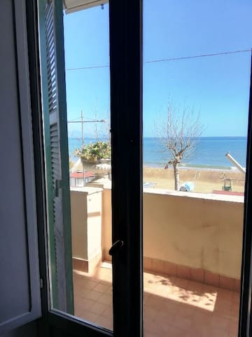 Formia Apartment for 5 person NEAR THE SEA