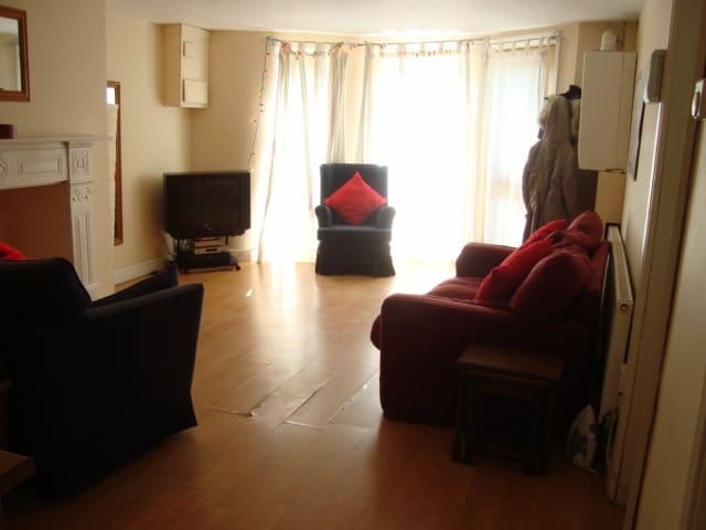 3 bed flat in lovely part of headingley - Leeds - Apartament
