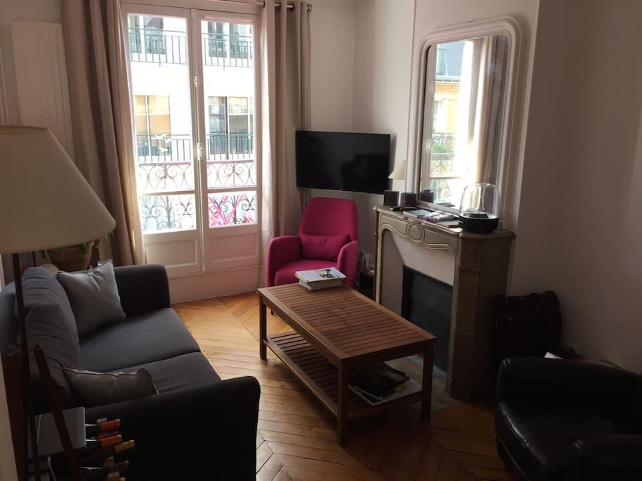 appartement cosy montparnasse apartments for rent in paris le de france france. Black Bedroom Furniture Sets. Home Design Ideas