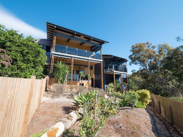 Merindah Luxury Beach House - Point Lookout - Rumah
