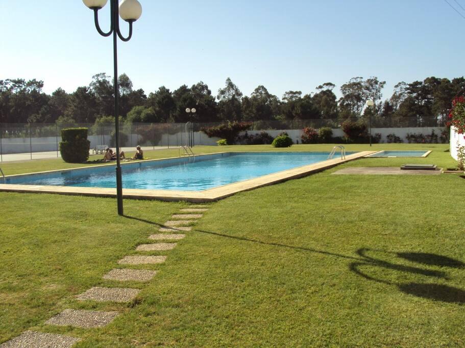 piscina e court ténis