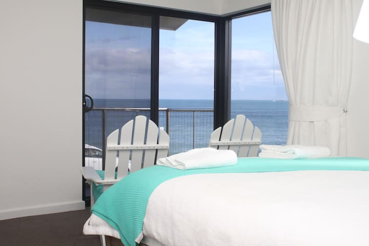 South Seas 4 - Beachfront Port Elliot - Port Elliot - Townhouse