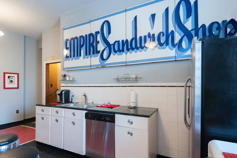 Spacious RETRO Art Deco APT Historic Lemp Nbrhd - Apartments for ...
