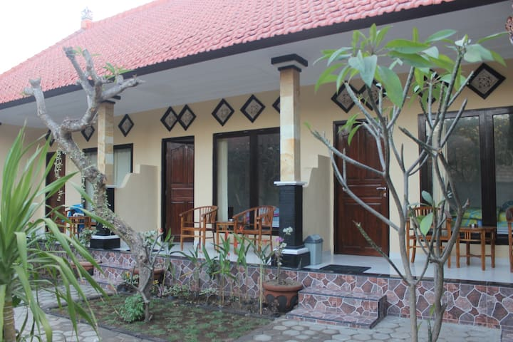 Lembongan D & Yoga Home Stay AC Double Room