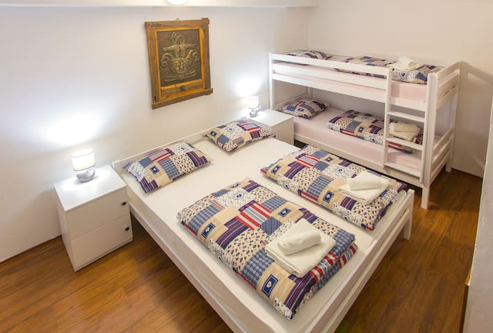 Big Bedroom for 5 in Mostar City Center