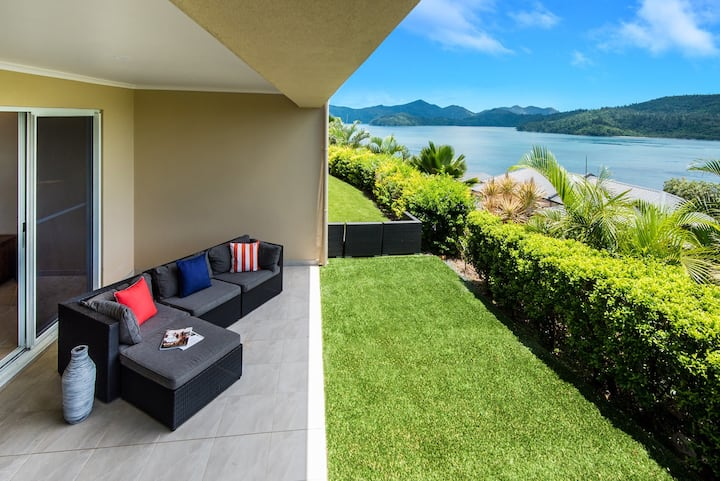 La Bella Waters 8 on Hamilton Island  by HamoRent
