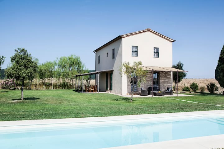S.Ilaria - Exclusive Villa with 2 Bdrs