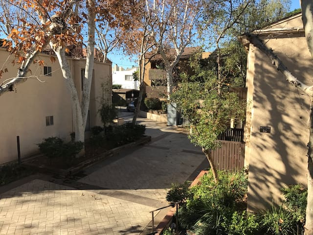 Cozy Apartment in the Valley - Los Angeles - Appartement en résidence