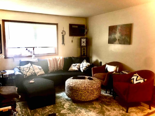 Bed and Breakfast, 3 ppl., 2 br, +office, laundry