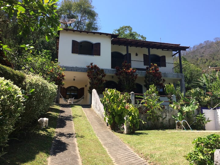 Casa com toda infraestrutura em Miguel Pereira