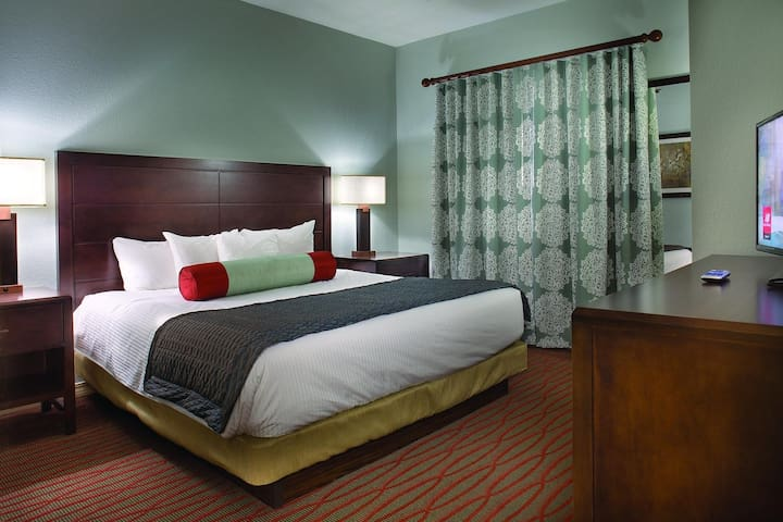 Branson Meadows, Two Bedroom Luxury Condo (A514)