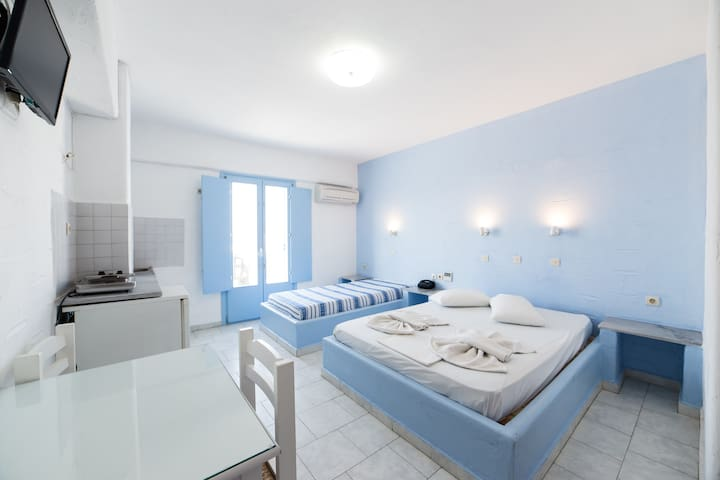 Studio with sea view for 1-3persons - Paros