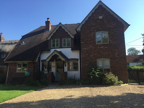 Ensuite Double Room in village location nr AWE