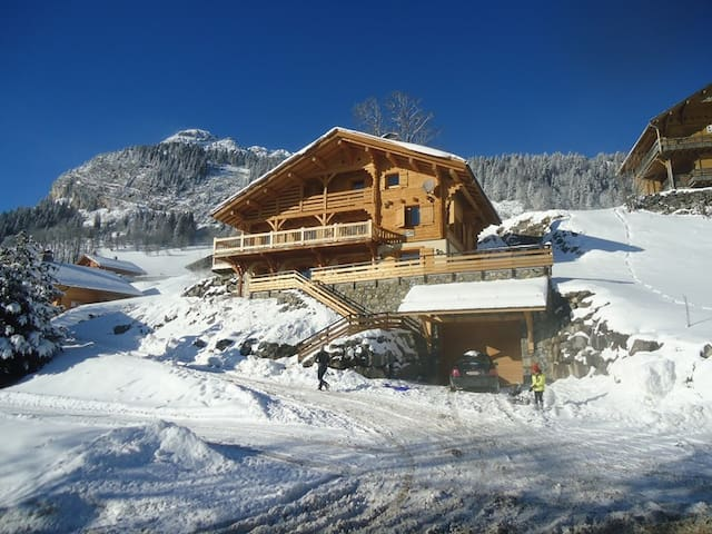 Beautiful chalet in the mountains for 18 persons