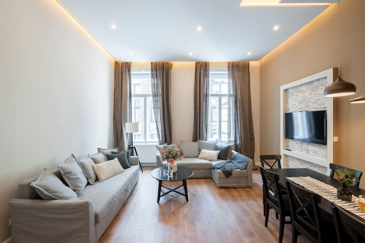 SOHO No.35 apartment with beer tap &   FREE BEER