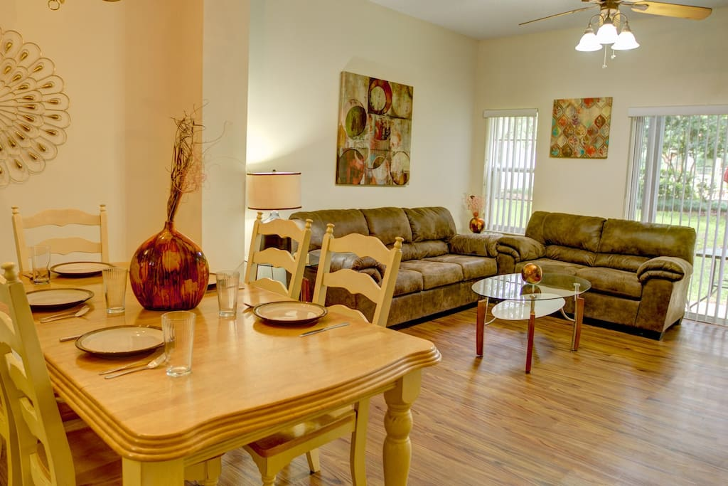 Vacation Townhome Dining Area