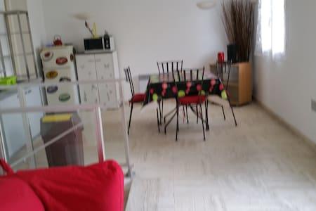 Logement meublé - Plaisir - Wohnung