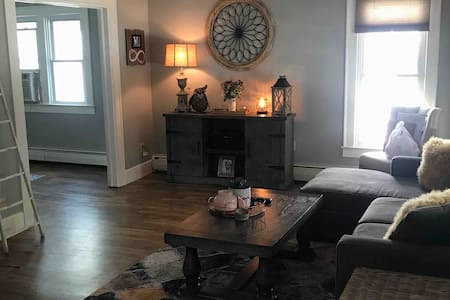 Cozy Historic Home in Downtown Franklin, IN