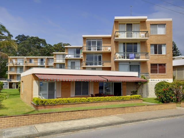 Bella Vista, Unit 22/19 Shoal Bay Road