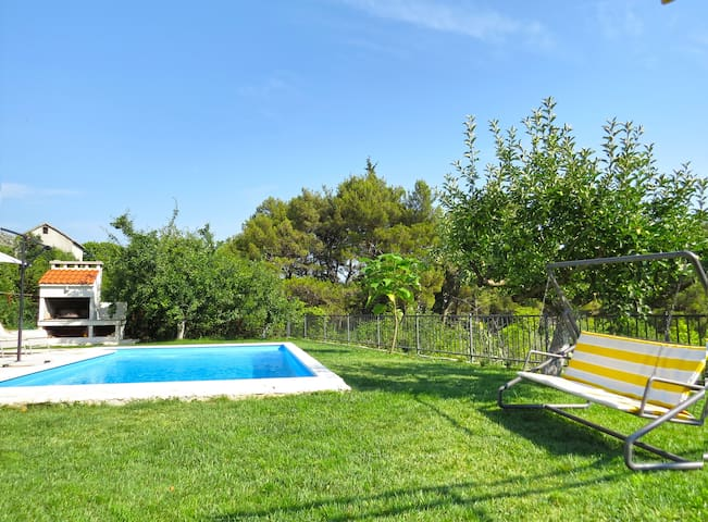 Mountain Escape with private pool@Vilar by Split