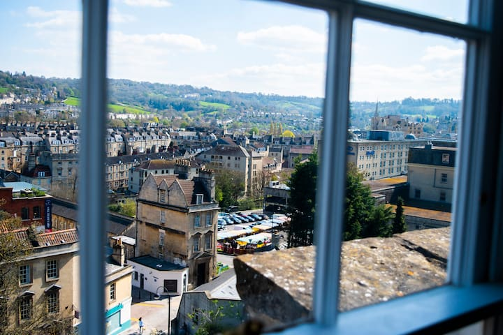 City Centre Flat with Stunning Views