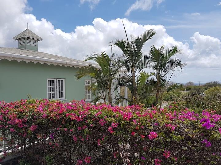 Baydreams Garden Studio w/pool & free WiFi