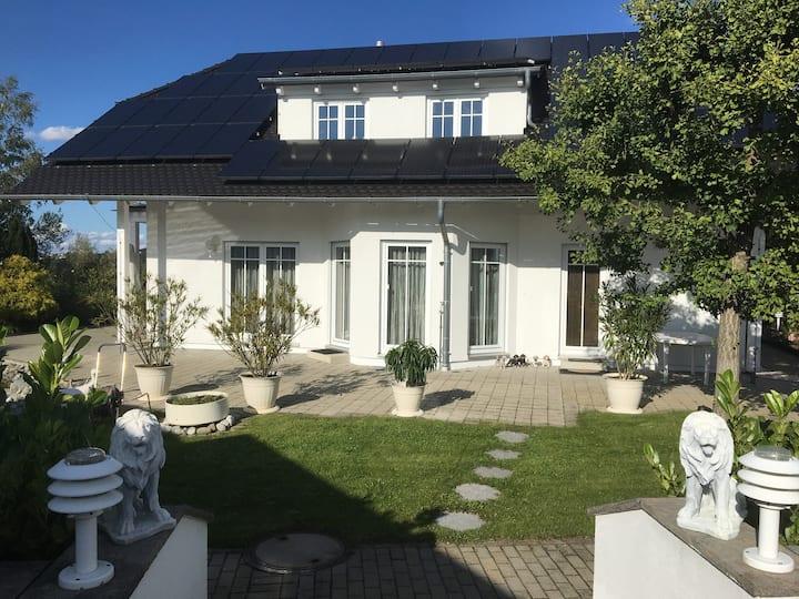 Exclusives Haus mit Garten und Sauna  2 bis 6 Per.