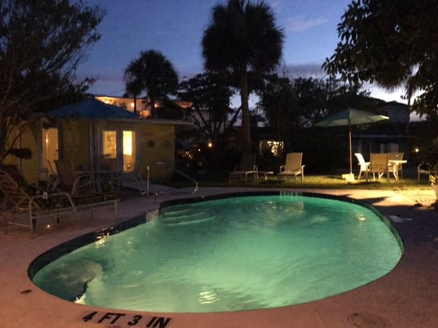 Beach Place-Coquina-Pool View