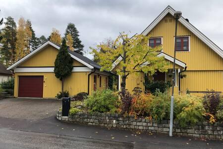 Stadsnära lägenhet vid sjön Runn.