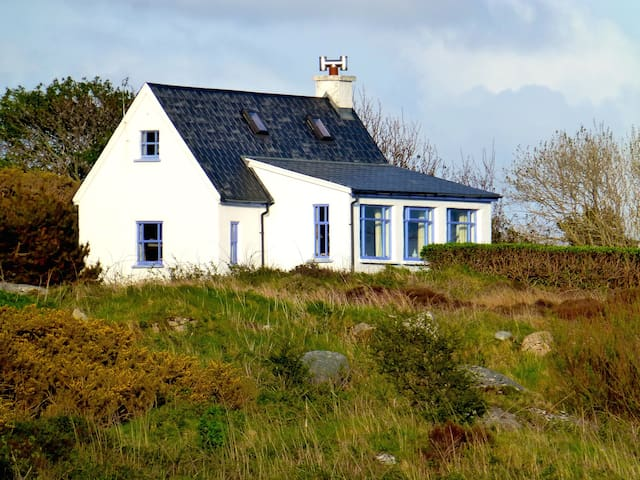 Barn Cottage from Seaside