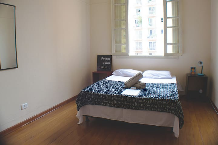 2. Large Room and Breakfast Downtown