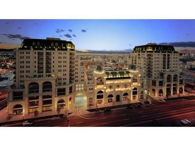 Turnkey Condo in Upscale Building Downtown Denver