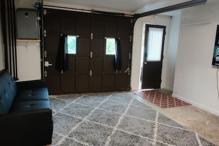 Private entrance located in Foxcliff