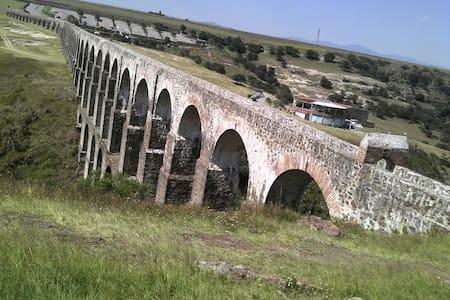 Lujoso Chalet Campestre - Cañada de Cisneros