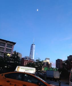 #RLH.20min-NYC.Walk to train, can sleep 2 guests - Ház