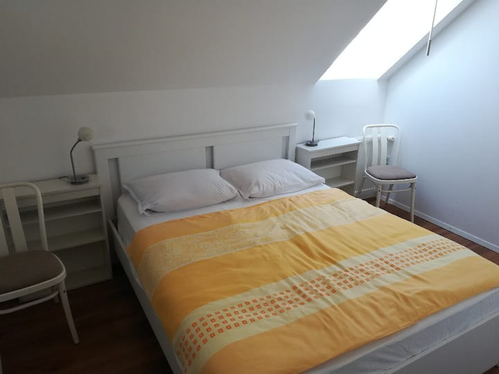 Cool-RENT apartment with private parking