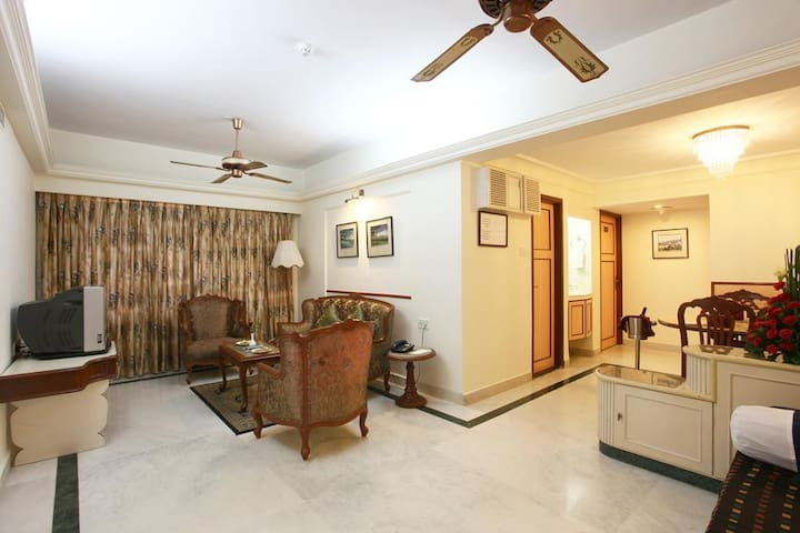 1-Bedroom Furnished Apartment in Juhu, Mumbai - Mumbai - Huoneisto