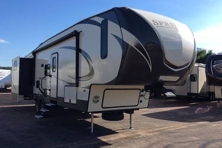 West Yellowstone 41 foot trailer- Sleeps 7-9